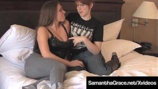 Sumisa lesbiana Samantha Grace Tongue follada por Lily Cade